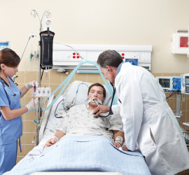 Clinicians_in_Intensive_Care_Unit